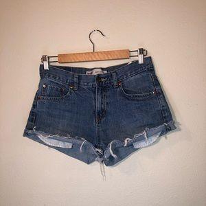 Levi's cutoff Jean shorts 🌸
